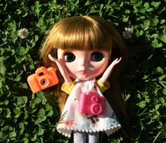 Annabelle Elise: Which camera should I use? Christmas Ornaments, Disney Princess, Disney Characters, Holiday Decor, Photography, Art, Art Background, Photograph, Photography Business