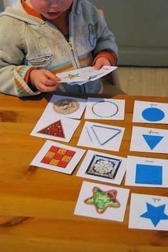 Thanks Montessori !: A game . for the form! Montessori Toddler, Montessori Elementary, Montessori Education, Montessori Materials, Montessori Activities, Preschool Kindergarten, Preschool Shapes, Sudoku, Early Years Maths