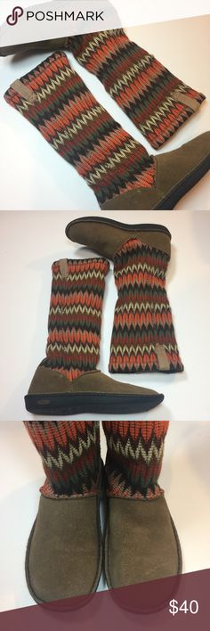 Keen Multicolored zig zag boots Suede bottom! These boots literally feel like you're wearing slippers!! So soft and cozy!! Size 8. Smoke free and pet free home. Keen Shoes