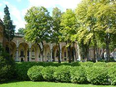 Mirogoj cemetery, Zagreb http://viajarporquesim.blogs.sapo.pt/croacia-diario-de-viagem-iii-21903