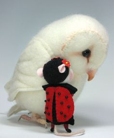 "Needle Felted 3"" Ladybug Costume & Cap Mouse By Barby Anderson / Owl By Helen Priem by feltedmice, via Flickr"