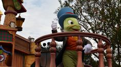 Walt Disney World, Magic Kingdom, Celebrate a Dream Come True Parade, Jiminy Cricket