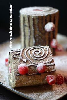 T'is the season! for a Christmas Log Cake Christmas Log Cake, Winter Solstice, Different Recipes, Tis The Season, Cheesecakes, Cake Ideas, Wander, Deserts, Rolls