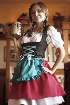 ドイツ・ディアンドルの民族衣装 もっと見る