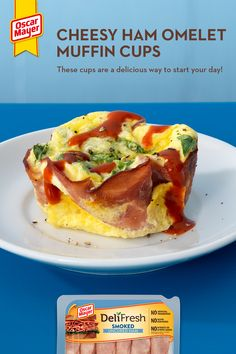 Wake up to cheesy ham heaven with these Cheesy Ham Omelet Muffin Cups! This Deli Fresh ham and egg delight is one creative and delicious way to start your day plus, it has no artificial preservatives, and no added nitrates or nitrites Pro tip driz - b Brunch Recipes, Soup Recipes, Great Recipes, Chicken Recipes, Favorite Recipes, Salad Recipes, Recipies, Ham And Eggs, Low Carb Recipes