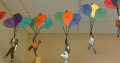 """They wrote their hopes and dreams in balloons and attached a picture of themselves soaring with them. Make """"Oh the Places You Go"""" Bulletin Board! End of school year Classroom Displays, Future Classroom, School Classroom, Classroom Activities, School Fun, Classroom Organization, Art School, Back To School, Reading Activities"""