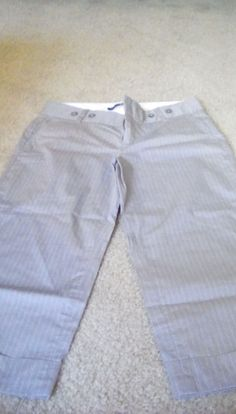 Gap Gray and White Striped Croped Pants -Size 4 #GAP #CaprisCropped