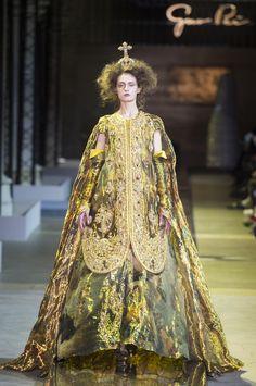 Défilé Guo Pei Printemps-été 2017 Haute couture - Madame Figaro