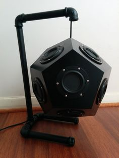 Omni-directional dodecahedron speaker