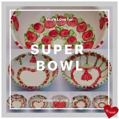 Happy Super Bowl 😉@unikatkeramik #handpainted #tableware #brigittehernuss #homedesign #interior #unique #geschirr #superbowl Super Bowl, Hand Painted, House Design, Inspiration, Holiday Decor, Unique, Tableware, Interior, Happy