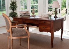 Love This Ethan Allen Desk.