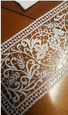 Filet Crochet, Crochet Wool, Irish Crochet, Needle Lace, Bobbin Lace, Tatting Patterns, Crochet Patterns, Black Lace Tattoo, Lace Weave