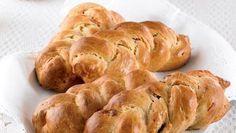 Panettone Osterzopf   Die italienische Kuchenspezialität zum Nachbacken für die heimische Kaffeetafel. Rezept für Panettone Osterzopf mit Hefe, Mandeln und Trockenfrüchten.