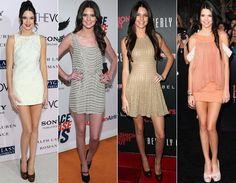 Kendall e Kylie Jenner são as meia-irmãs mais novinhas de Kim, Khloé e Kourtney Kardashian. E parece que elas herdaram o estilo glam da família! Com um guarda-roupa muito semelhante, elas amam uma moda mais glam, cheia de brilho, vestidos curtinhos e, claro, sapato de salto!    Kendall Jenner, 16 anos, é a mais clássica da dupla. Adora mostrar as pernas em vestidos curtinhos de cores neutras, como branco, cinza e nude. Com um salto poderoso, esse tons ajudam a alongar ainda mais a silhueta.