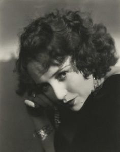 Movie Still Photographs, Biography & Filmography of Silent Film Star Bebe Daniels Golden Age Of Hollywood, Vintage Hollywood, Classic Hollywood, Bebe Daniels, Bogie And Bacall, Hollywood Forever Cemetery, Yvonne Craig, Non Blondes, Silent Film Stars