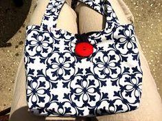 My first hand made purse!