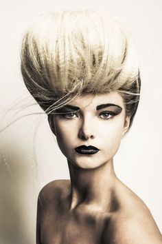 halo hair and beauty first love Creative Hairstyles, Up Hairstyles, Pretty Hairstyles, Bridal Hair Tutorial, Camping Hair, Global Hair, Avant Garde Hair, Halo Hair, Vogue Beauty