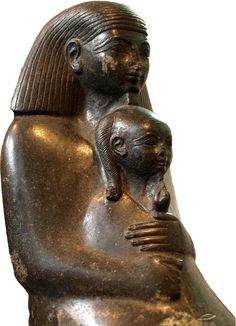 """Senenmoet was een architect en overheidsdienaar in het Oude Egypte ten tijde van Hatsjepsoet (18e Dynastie). In zijn autobiografie schrijft hij: """"Ik was de grootste in het hele land. Ik was de hoeder van de geheimen van de koning"""". Senenmoet was van gewone afkomst, maar hij maakte carrière: hoofdopzichter van Amon en diens velden, vee en graanschuren. Zittende Senenmoet met prinses Neferure in zijn armen, British Museum."""