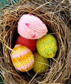 Mini knitted Eggs from the Purl Bee