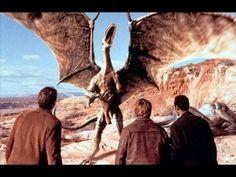 Evolúció Teljes Film Magyar !! Wayne Grey (Seann William Scott) az arizonai sivatagban készül fel utolsó képességi vizsgájára a tűzoltóknál, amikor meteorit csapódik be a közelben. Másnap ...