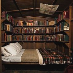 Trendy Dream Home Library Cozy Nook Bed Nook, Cozy Nook, Cosy, Cozy Cabin, Alcove Bed, Cozy Bed, Home Libraries, Book Nooks, Reading Nooks