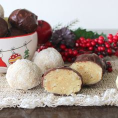 White Chocolate and Almond Cookie Truffles