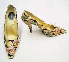 Christian Dior Pumps House of Dior By Designer Roger Vivier in 1955 made with silk, leather, metallic thread and plastic. Wearing shoes like these is what gave me sever foot problems. Vintage Dior, Mode Vintage, Vintage Shoes, Vintage Outfits, Vintage Fashion, 1950s Fashion, Vintage Cars, Vintage Style, Christian Dior