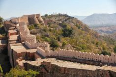 Long overshadowed by its lengthier neighbor to the east, this is the second largest continuous wall on the planet. Some call it by the name of the fort it surrounds – Kumbhalgarh. Others simply refer to it as The Great Wall of India. Yet bewilderingly, it is still little known outside its own region.
