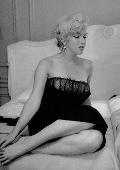 missmonroes:   Marilyn Monroe at the St. Regis... - What I Find (Interesting)