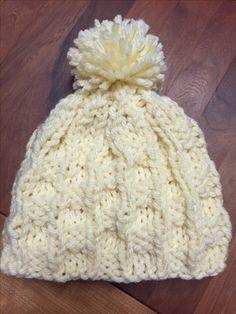Stricken: Mütze mit Bommel