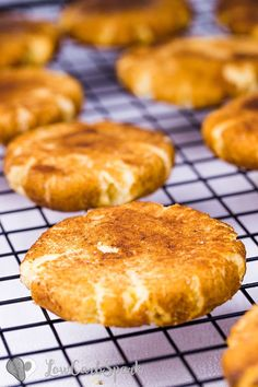 Thick and Soft Keto Snickerdoodle Cookies – Low Carb Gluten Free. Thick and Soft Keto Snickerdoodle Cookies – Low Carb Gluten Free Recipes Keto Snickerdoodle Cookies are incredibly soft co. Galletas Keto, Biscuits Keto, Cookies Et Biscuits, Keto Pancakes, Desserts Keto, Keto Snacks, Dessert Recipes, Dinner Recipes, Healthy Vegetarian Recipes