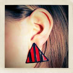 Cool Red & Black Enamel Triangle 80's style earrings!