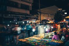 Chiang Mai, Thailand is famous for their night markets. Live out the exciting and colorful world of Chiang Mai night bazaar in this premium photo pack. Krabi Town, Ao Nang, Krabi Thailand, Chiang Mai, After Dark, Travel Agency, Great Places, Free Photos