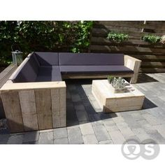 New Pallet Furniture Bench Outdoor Sofa Ideas Pallet Furniture Bench, Pallet Furniture Designs, Outdoor Furniture Plans, Pallet Sofa, Sofa Furniture, Palette Garden Furniture, Garden Furniture Uk, Bespoke Furniture, Furniture Layout