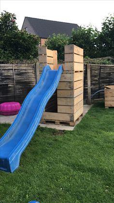 Begin van onze zelf gemaakte speeltoren met Paloxen...