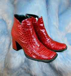 hot sale online 170d6 30da8 90s Red Alligator Chunky Heeled Ankle Boots  Clueless  Size 7  Party  Girl. Zapatos De Tacón De 5 ...
