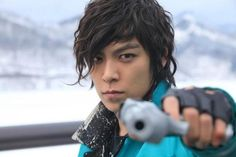 This is one of my very favorite photo of T.O.P . I love his hair, wavy..... just beautiful.