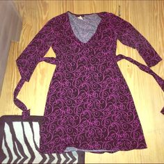 Black and hot pink casual dress Black and hot pink casual dress, size medium. Ties up in the back. Knee length. Dresses Midi