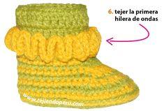 Botitas con ondas bebe (wiggle crochet booties) - Tejiendo Perú All Free Crochet, Crochet Bebe, Crochet Hats, Knitting, Baby Booties, Fashion, Crochet Baby Shoes, Slippers, Modeling