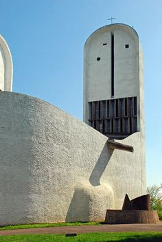 Our Girl of the Top, Ronchamp, Le Corbusier, Religious Architecture, Architecture Details, Architecture Design, Ronchamp Le Corbusier, Perriand, Modern Church, Architecture Sketchbook, Famous Architects, Church Design