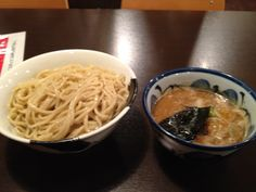 TESHIGOTO RAMEN HACHI. Niboshi chuuka is middle thick men in soy sauce-flavored soup anchovy soup was intensely worked. Borne pork, we got bamboo shoots, seaweed. Noodle is middle thick men further thick soup than niboshi chuuka.