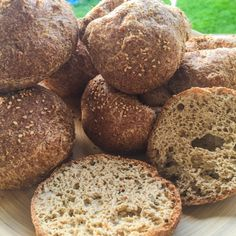 Keto LCH ketogenic bread, ideal for making buns or rolls # # . Low Carb Bagels, Low Carb Recipes, Healthy Recipes, Healthy Food, Bagel Recipe, Low Carb Breakfast, Keto Bread, Coco, Food And Drink