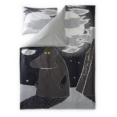 New Groke duvet cover set by Finlayson presents the lonely Groke in a stylish grey colour. Delightful details make this bed linen set a truly beautiful addition to your bedroom. The Finlayson fabric is cotton.Size: Duvet cover 150 x 210 cm Moomin Shop, Moomin Mugs, Matching Bedding And Curtains, Beloved Book, Tove Jansson, Bedding Websites, Childrens Beds, Bed Linen Sets, Grey Flooring