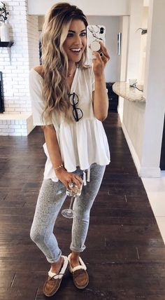 Cute cardigan outfits, winter cardigan outfit, cute outfits with leggings, winter leggings, Cute Cardigan Outfits, Winter Cardigan Outfit, Cute Outfits With Leggings, Legging Outfits, Casual Fall Outfits, Fall Winter Outfits, Trendy Outfits, Fashion Outfits, Winter Leggings