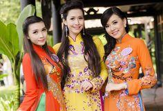 Dân Việt - 30 thí sinh của cuộc thi Hoa hậu Phụ nữ Việt Nam qua ảnh 2002 Miss Photo trong những bộ áo dài với đủ màu sắc, duyên dáng trong buổi chụp hình vào hôm 8.12.