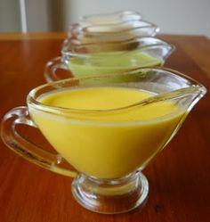 Aderezo de Yogurt y Hierbas 1 yogurt natural 1/2 taza aceite de oliva 1 taza hierbas frescas (hojas de albahaca, perejil, cilantro, menta y rúcula) 1 cdta sal pimienta a gusto