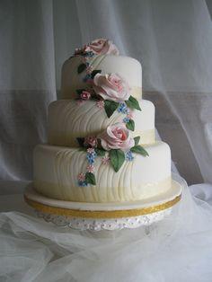 stunning wedding cakes #Wedding