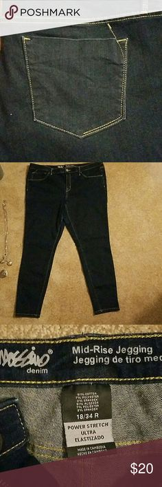 Blue jean midrise jeggings size 18 Dark blue jean. Waist measures approximately 38 inches. Insteam measures approximately 29 inches. Nice stretchy. good used condition Wassino Denim Jeans Skinny