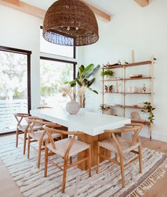 How to get Cara Loren's Bohemian Dining Room Escape - Expolore the best and the special ideas about Dining room design Table Design, Dining Room Design, Dining Room Inspiration, Home Decor Inspiration, Decor Ideas, Dinning Room Ideas, Minimalist Dining Room, Minimalist Decor, Dining Room Lighting
