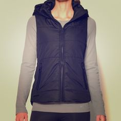 Under Armour Quilted Gray Puffer hooded vest Gray puffer vest (see last picture for the product), oversized stuffed hood (detachable), inside soft jersey lining. slightly longer in the back (covers up to mid tush). Worn, but in EUC. visible damage except for the speckled discoloration in the inside neck collar as shown in picture #2. Lightweight matte & shine woven fabric, PrimaLoft® insulation, -resistance, zippered hand pockets w/reflective binding. Inside breast hidden zip pocket…